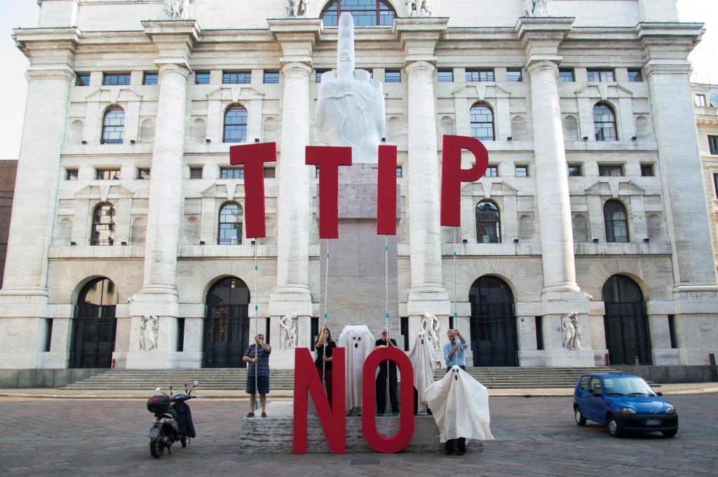 11 Luglio Stop TTIP Piazza Cordusio