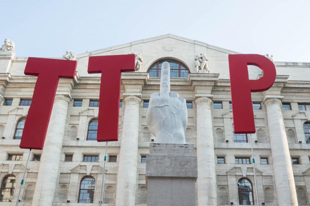 10 Luglio : Da Milano una cartolina di auguri per la ripresa dei negoziati sul TTIP.