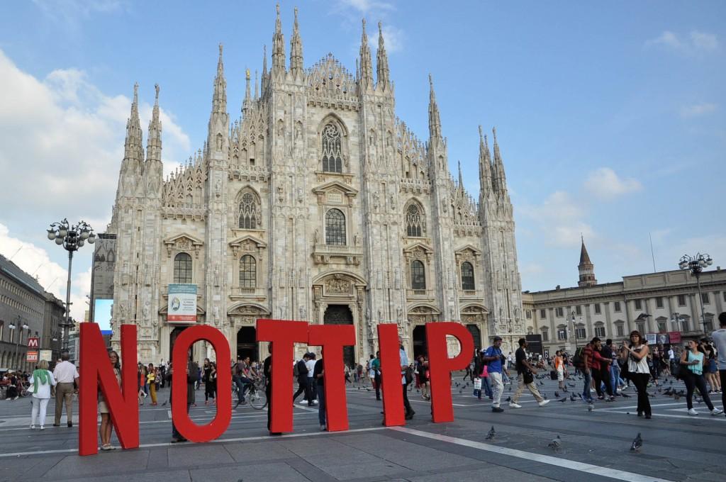 15.09.16 Piazza del Duomo Milano TTIP e CETA: Fermate gli accordi una volta per sempre!